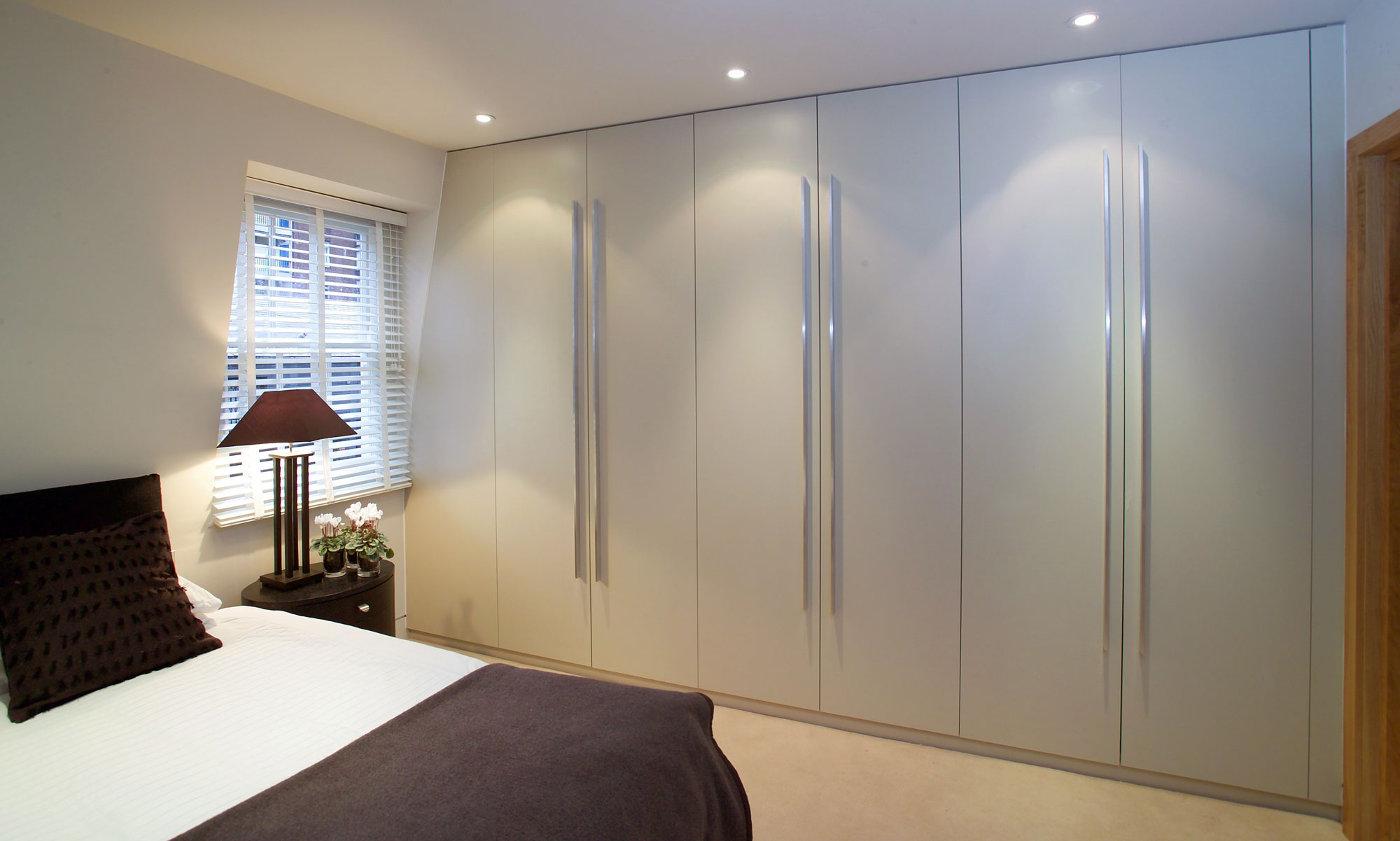 Fitted Wardrobes London Walk In Wardrobes