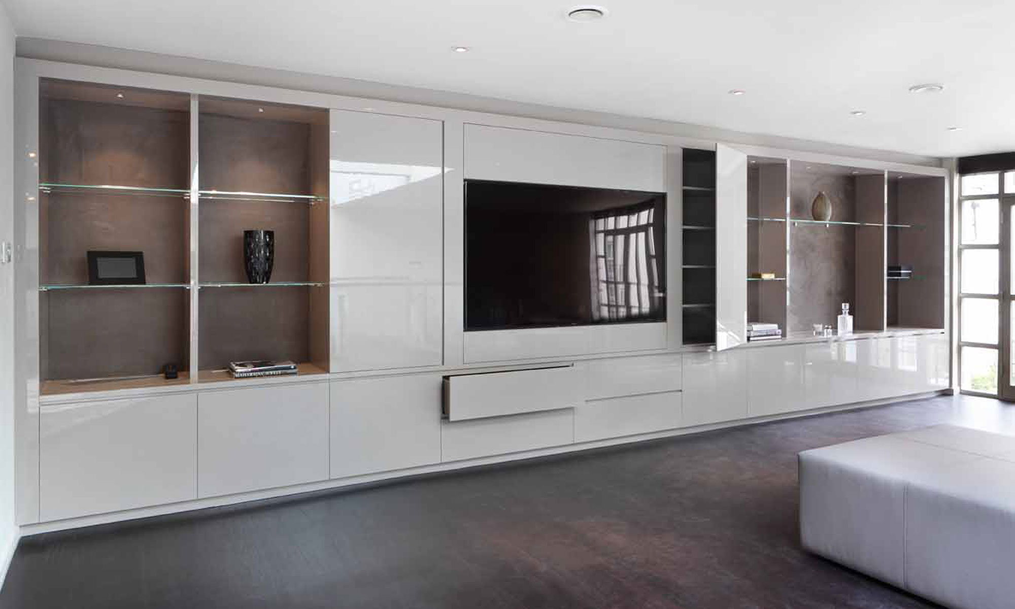 Bespoke fitted furniture wardrobes london for Lounge cabinets