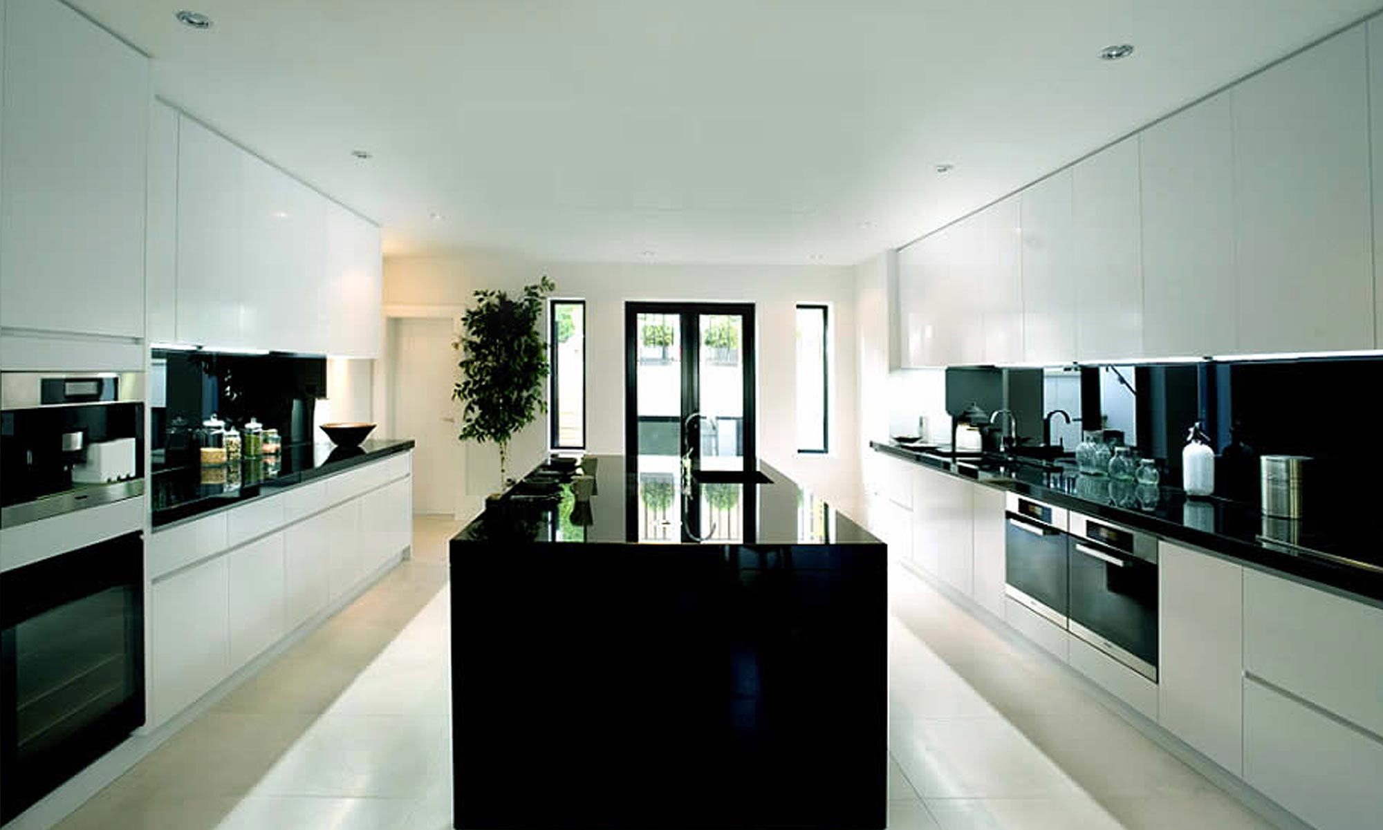 Bespoke kitchens london by wyndham design for London kitchen decor